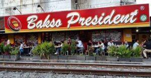 Bakso President – Kuliner Malang Pinggir Rel Kereta